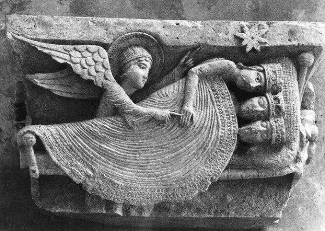 Matt 2-11 Epiphany star, Magi, angel, 12th century carving, Autun Cathedral